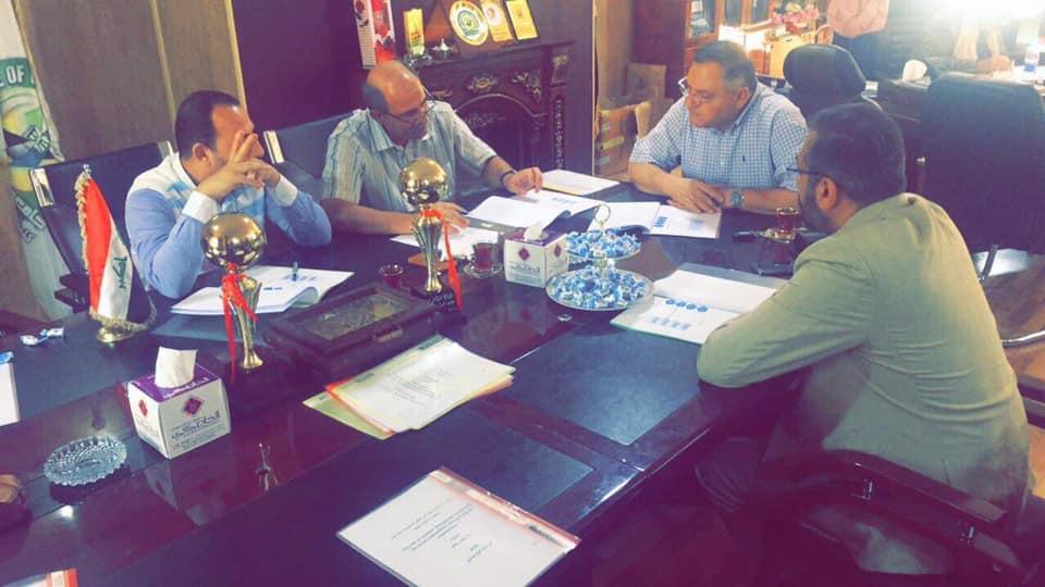 مناقشة سمينار(دور الادارة الاستراتيجية في تحقيق قياس المسؤولية الاجتماعية للتنمية المستدامة في العراق)