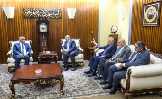 الاستاذ الدكتور نبيل كاظم يتسلم حقيبة وزارة التعليم العالي ويباشر مهام عمله