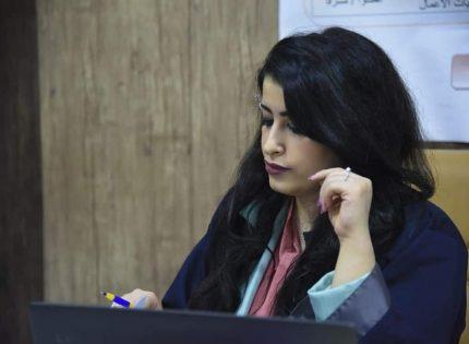 مناقشة طالبة الماجستير هبة عبد الجبار عبد الرزاق